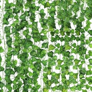 Pack of ivy leaves